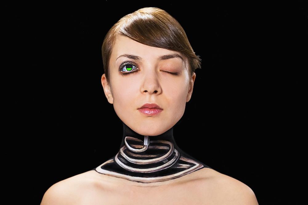 ikaru Cho creates stunning body-paint optical illusion